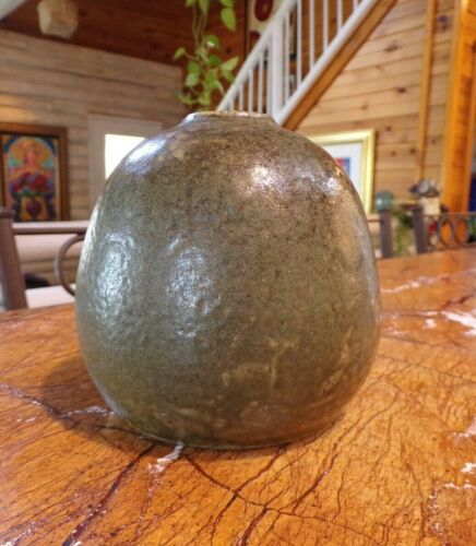 """NC Pottery, Early Ben Owen 3 """"1989"""" Green Glazed Bee Hive Formed Vase"""