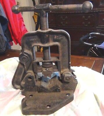 Vintage Reed Mfg Pipe Vise No 1 Cast Iron - Erie Pa Usa Bench Mount