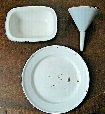 Job lot of vintage kitchenalia enamel ware to clear, prop, display.
