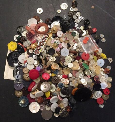 Hundreds of Vintage & ANTIQUE Buttons 1 lb 10 oz worth!