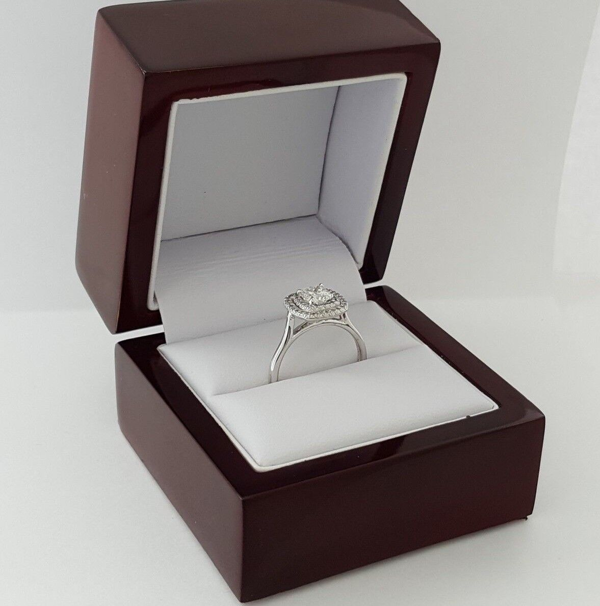 0.97 ct 18K White Gold Cushion Cut Diamond Double Halo Engagement Ring GIA E/VS1 10