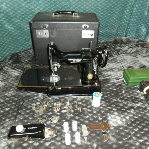 Singer Featherweight  221-1 Sewing Machine w/ Case + lots of Extras!!