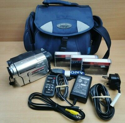 Sony HandyCam CCD-TRV238V 8mm Tape Video Camera Camcorder With Bag Accessories