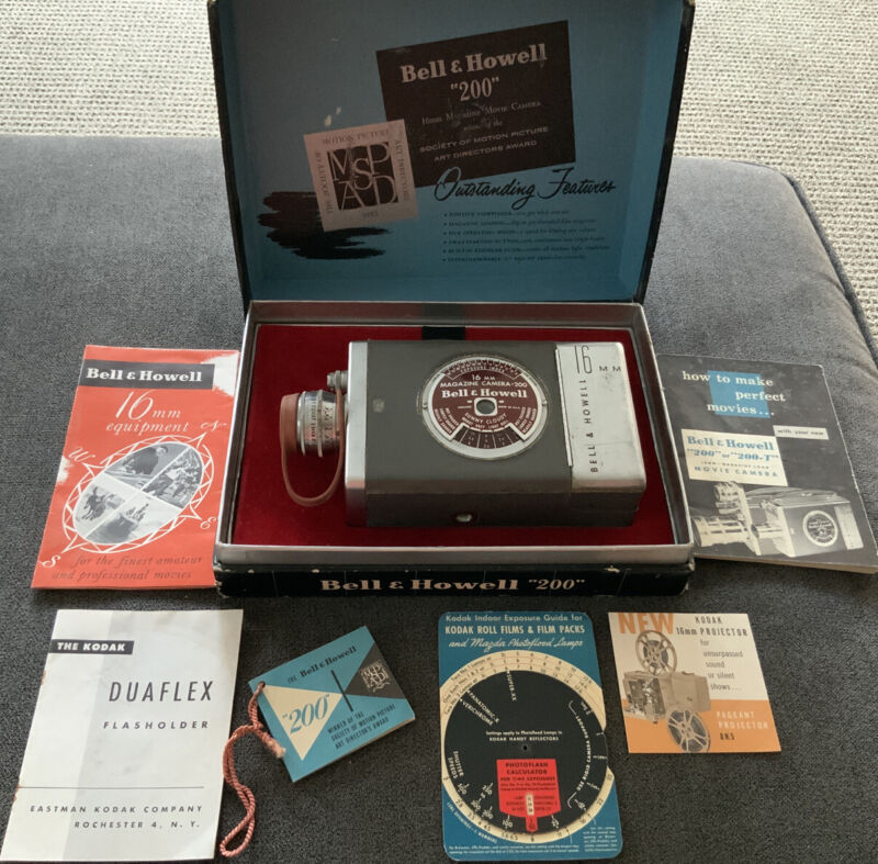 "1950s Vintage Bell & Howell 16mm Magazine Camera ""200"" Box & Manuals"