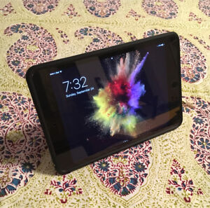 32gb Apple ipad mini 4 wifi + LTE (bell)