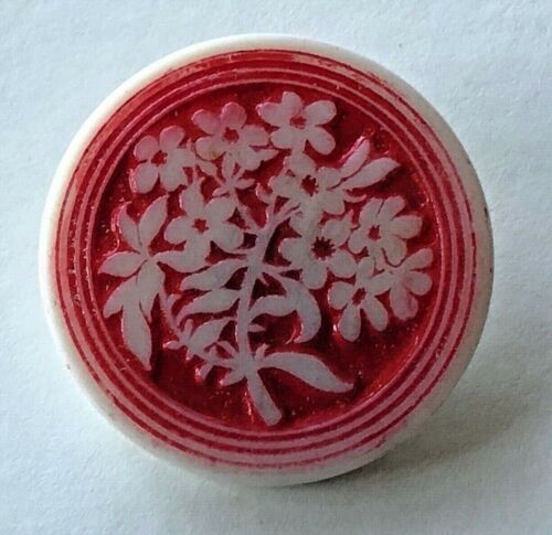 """VINTAGE ARTID PICTURE BUTTON---Spring Flowers --- 1  1/4"""""""