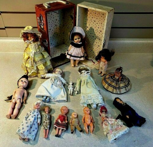 Lot Vintage Antique baby tiny dolls jointed Cheney trunk case England Italy USA