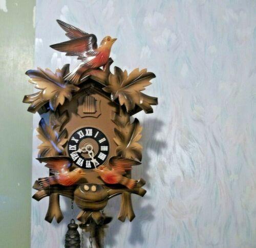 👀 Herbert Herr Black Forest Cuckoo Clock 1 day movement; Animated Feeding Birds
