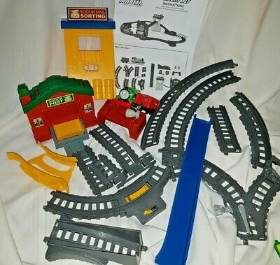 Thomas & Friends TrackMaster Sort & Switch Express Delivery Set