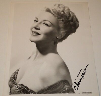 CLAIRE TREVOR /  LOVELY  8 X 10  B&W  AUTOGRAPHED  PHOTO