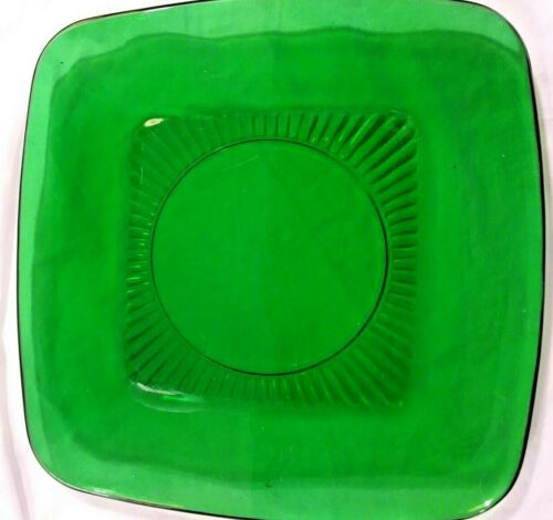 Anchor Hocking 8-1/4 inch Square Luncheon Plate Charm Pattern Forest Green