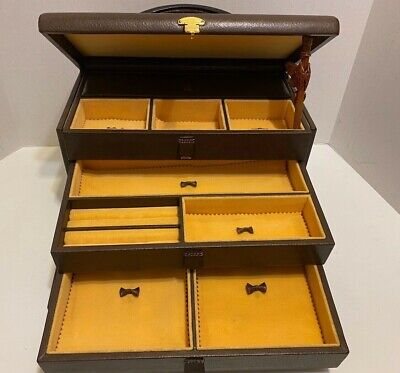 VINTAGE GUCCI XLARGE LEATHER JEWELRY BOX W/ 3 INSERT TRAYS - Mint used condition