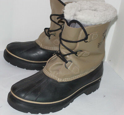 MEN'S KAMAK WARM WINTER DUCK BOOTS! WOOL LINER! GREAT SHAPE! MADE IN CANADA! 9D