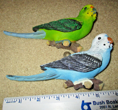 Adorable Wall Hanging Pair of Parakeets Blue & Green 7""