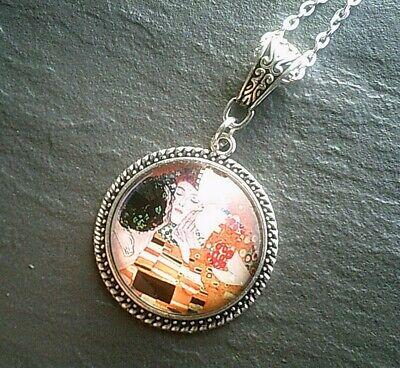 Gustav Klimt The Kiss Art Pendant Silver Necklace Chain Girls Ladies Jewelry - Klimt Round Pendant
