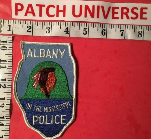 ALBANY IL POLICE  SHOULDER PATCH  Q001