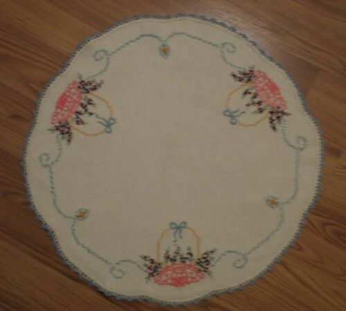 "Vintage Hand Embroidered Linen Table Round 20"" Diameter Scalloped Border"