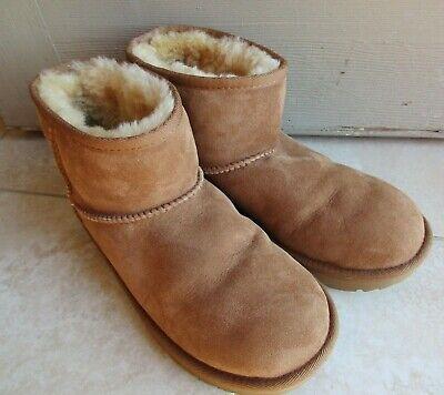UGG big kids 1017715K chestnut brown Classic II mini shearling short boots sz 6