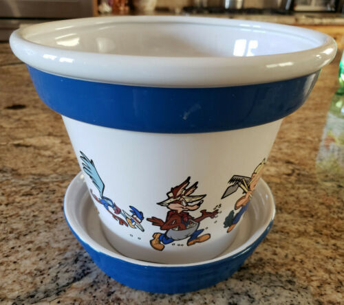 Looney Tunes Cartoons Ceramic Planter Sylvester Tweety Bird Bugs Porky Petunia