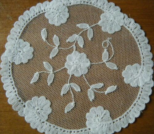 OLD Vtg set 2 doilies  Brussels Princesses mesh Lace Flowers hand made white