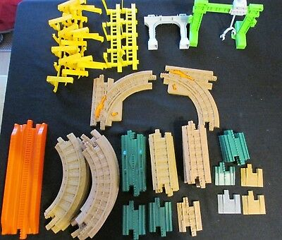 GeoTrax Tracks Pack 40 pc Lot Straight, short, Curved, Switch, Guard Rails Crane