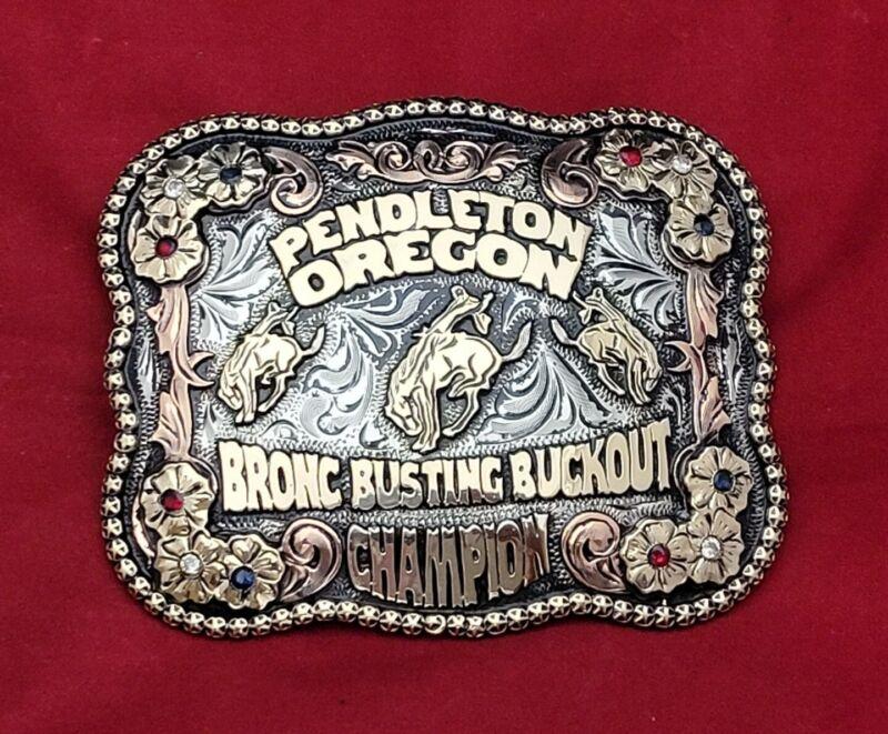 RODEO TROPHY BELT BUCKLE~PENDLETON OREGON BRONC RIDING CHAMPION~VINTAGE-522