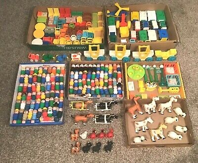 Huge Vintage 1970's Fisher Price Little People Collection 260 Pieces