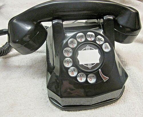 Automatic Electric Model 40 Bakelite Telephone.