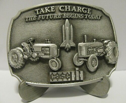 Case VAC D LA Tractor Pewter Belt Buckle 1988 Parts Trad Fair Limited Ed CIH IH