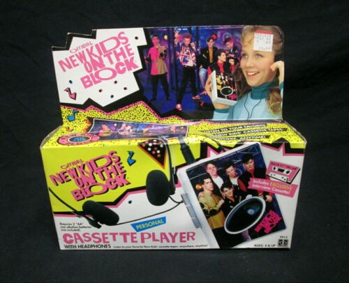 NRFB VINTAGE 1990 HASBRO ~ NEW KIDS ON THE BLOCK ~ CASSETTE PLAYER w/ HEADPHONES