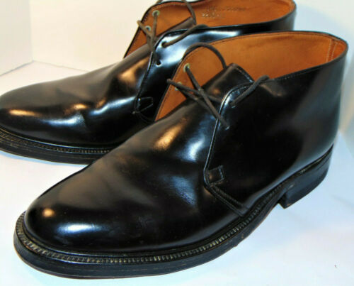 VINTAGE 1970s BLACK POSTMAN CHUKKA BOOTS! LEATHER SOLE/RUBBER HEEL/LINED 10.5C