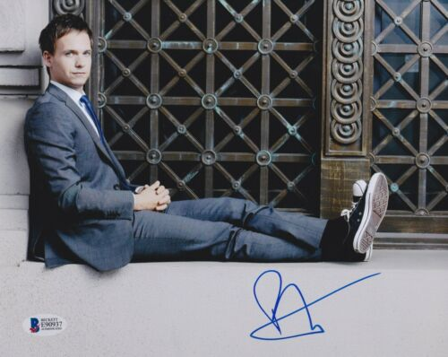 PATRICK J ADAMS SIGNED 8X10 PHOTO SUITS BECKETT BAS AUTOGRAPH AUTO COA D