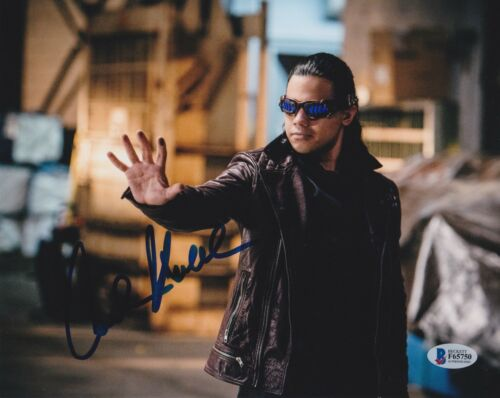 CARLOS VALDES SIGNED 8X10 PHOTO THE FLASH BECKETT BAS AUTOGRAPH AUTO COA C