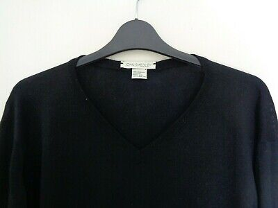 JOHN SMEDLEY Men's Black Pure New Wool V-Neck Sweater/Pullover Large