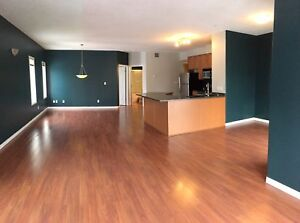 Steps away from Whyte Ave, 2 bedroom apartment: 304,9905 81 Ave