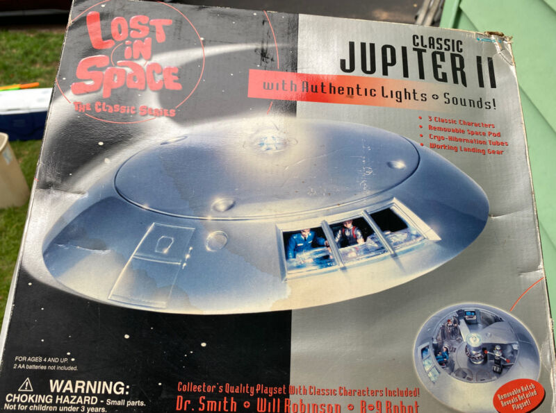 lost in soace jupiter 2 authentic lights and sounds