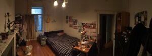 HUGE ROOM IN THE CENTRE OF DOWNTOWN MONTREAL