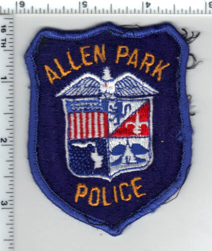 Allen Park Police (Michigan) Uniform Take-Off Shoulder Patch from early 1980