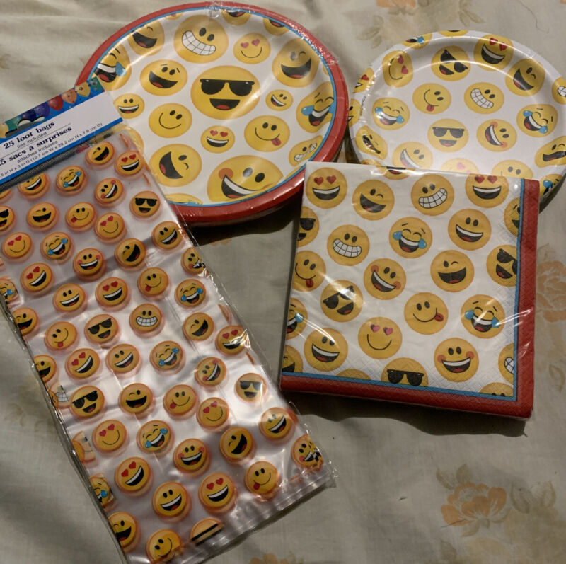 Birthday Party Kit Emoji Smiley Faces PAPER PLATES & NAPKINS LOOT BAGS