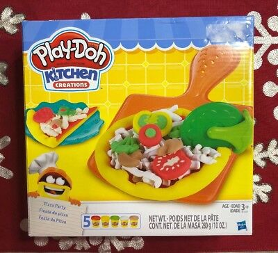 New Playdoh Play-Doh Kitchen Creations Pizza Party Playset Clay Dough