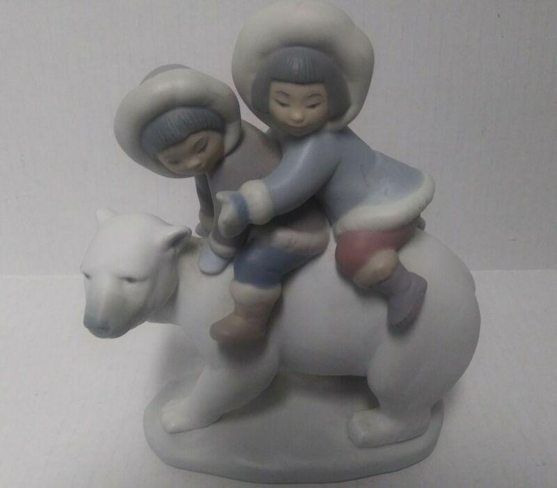"Lladro #5353 ""Eskimo Riders"" Inuit Children on a Polar Bear Figurine no box"