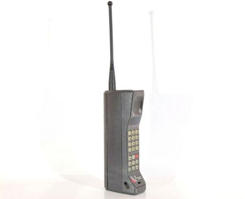 MOTOROLA DYNATAC INDEPENDENT MOBILE PHONE BRICK CELL VINTAGE RETRO RARE MOVIE