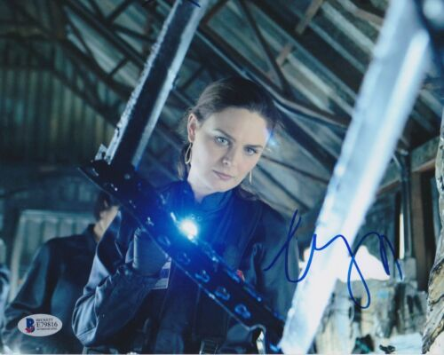 EMILY DESCHANEL SIGNED 8X10 PHOTO BONES BECKETT BAS AUTOGRAPH AUTO COA D