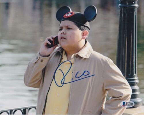 RICO RODRIGUEZ SIGNED 8X10 PHOTO MODERN FAMILY BECKETT BAS AUTOGRAPH AUTO COA B