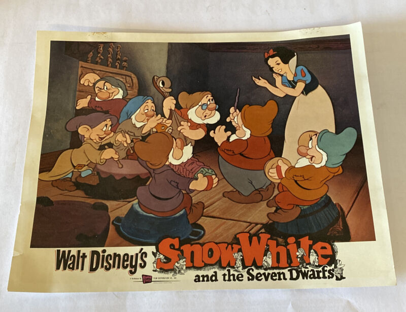 """ Snow White And The Seven Dwarfs "" Rerelease 11x14 Authentic Lobby Card 1976"