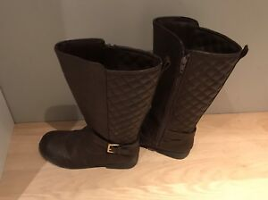 Girls boots