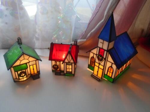 Vtg Tiffany Style Xmas Illuminated Stained Glass Village Victorian Houses Church