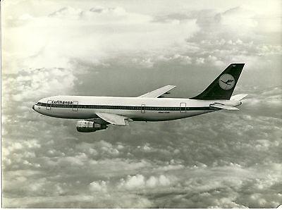 Photograph, Lufthansa Airbus A300