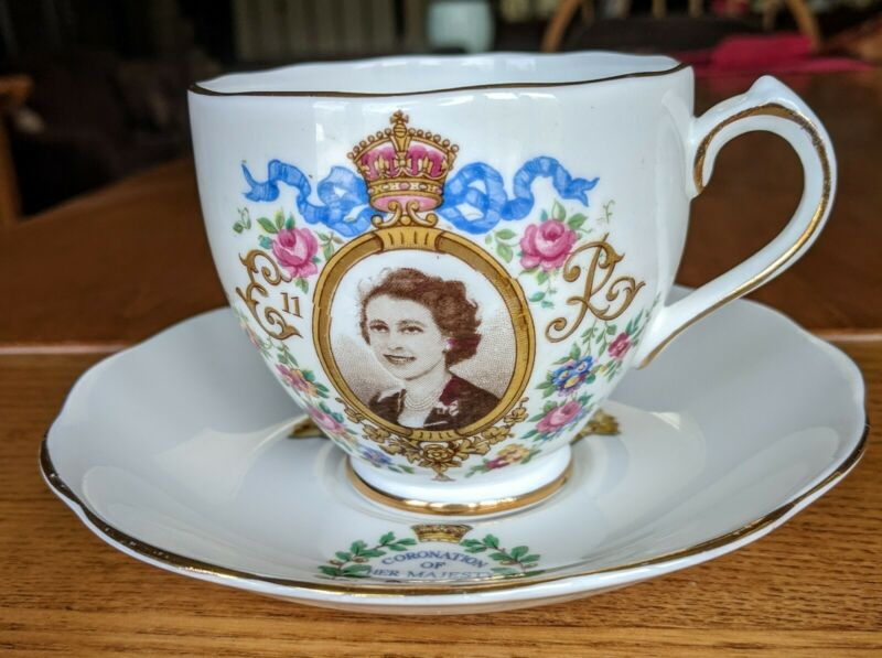 Roslyn Fine China Queen Elizabeth Coronation Cup & Saucer 1953 England