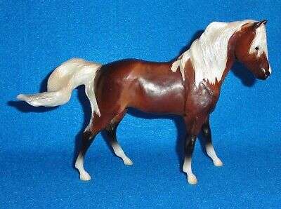 "BREYER CLASSIC MODEL SILVER BAY AMERICAN MUSTANG "" MESTENO'S MOTHER"" MOLD NIB"